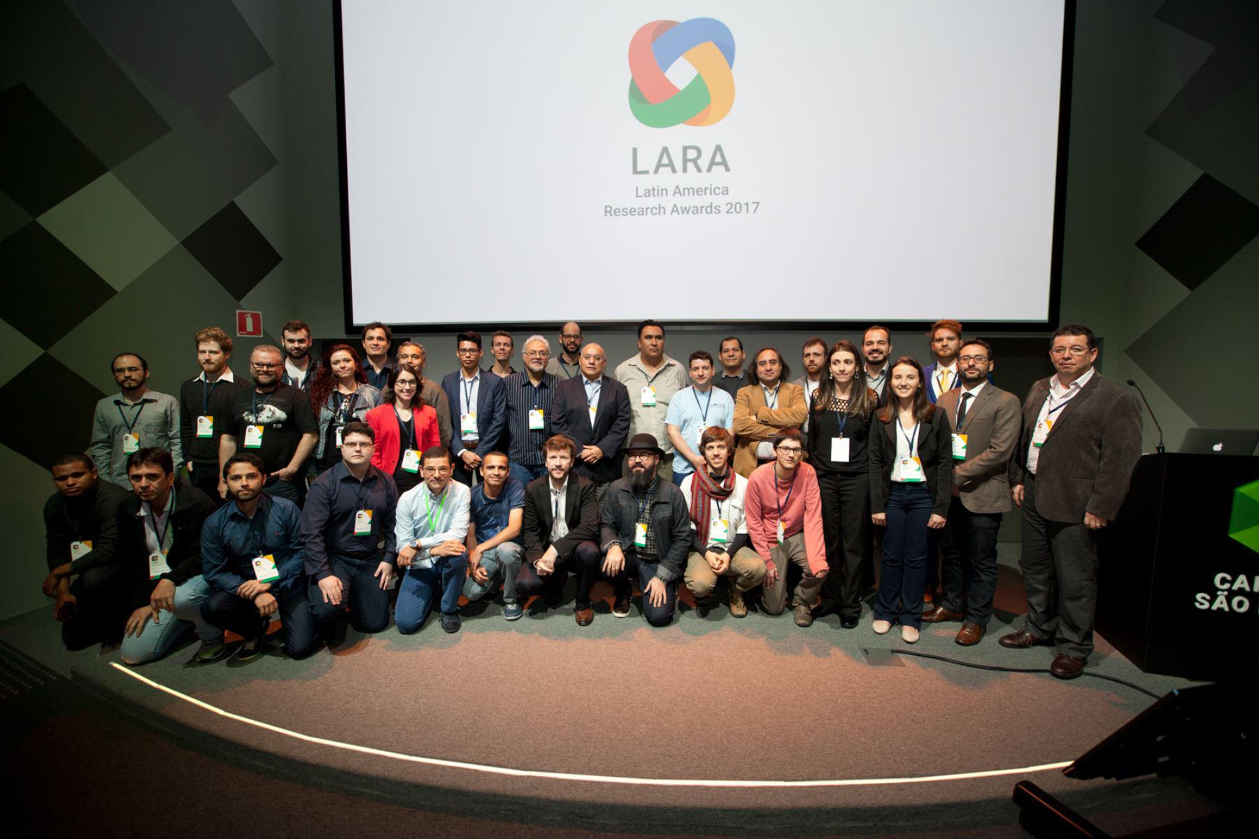 Foto de familia LARA Latin American Reaserch Google awards 2017